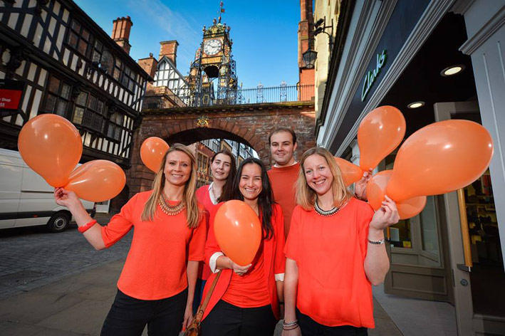 entyce-goes-orange-for-orangutans-Chester-Clock